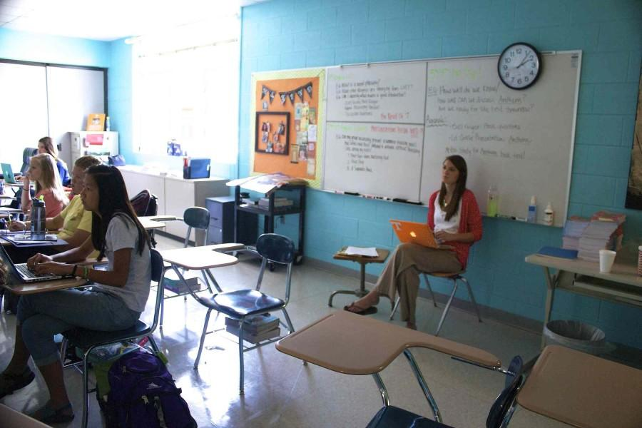 Ms.+Kristen+Long+watches+her+students+present+during+class+last+week.+Ms.+Long+is+one+of+18+new+teachers+to+Bearden.