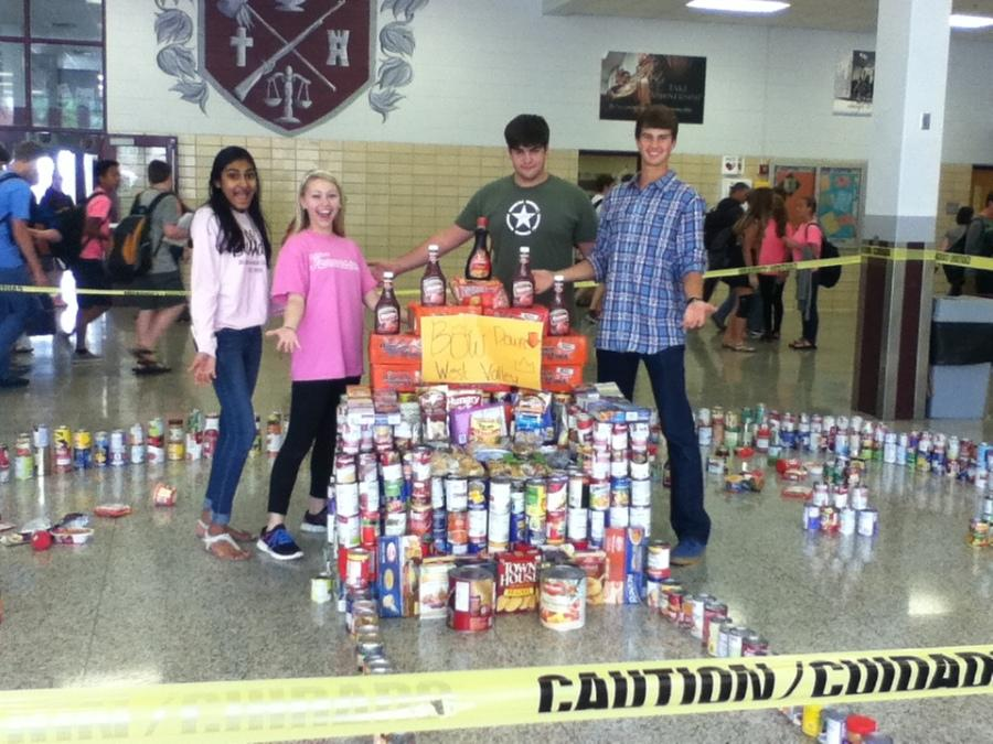 Bearden+leadership+students+pose+with+Second+Harvest+cans+in+the+West+Mall.
