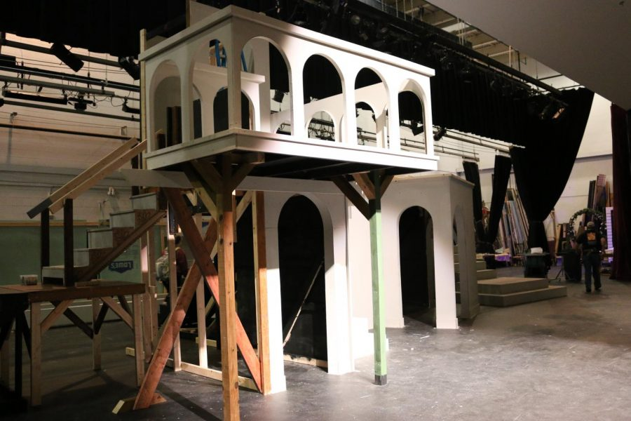 Theatre+department+to+incorporate+multi-level+set+into+%27Romeo+and+Juliet%27