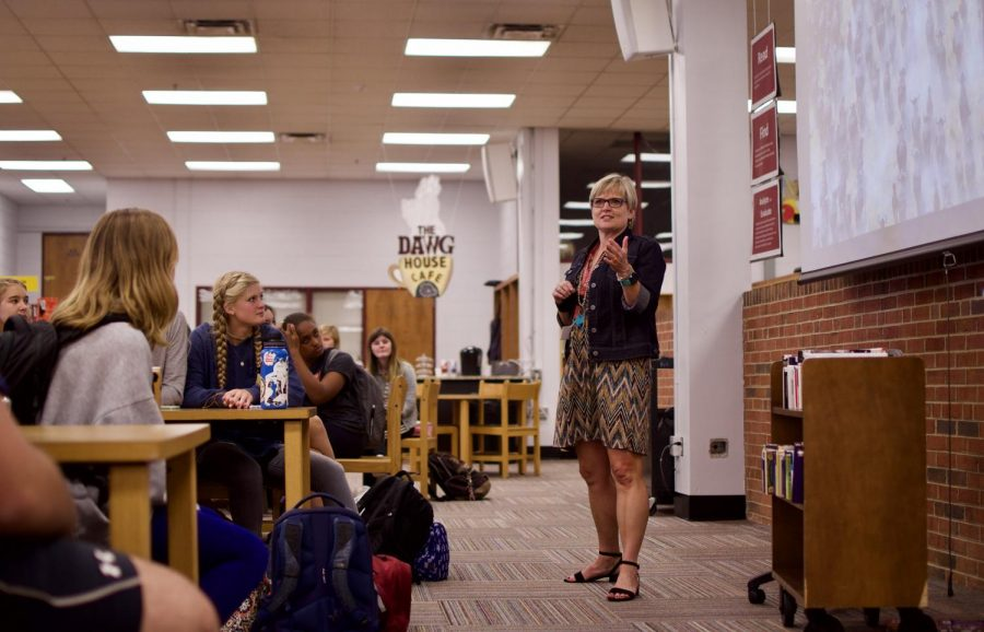 Sayers re-acclimates to Bearden traditions, this time as principal, not parent