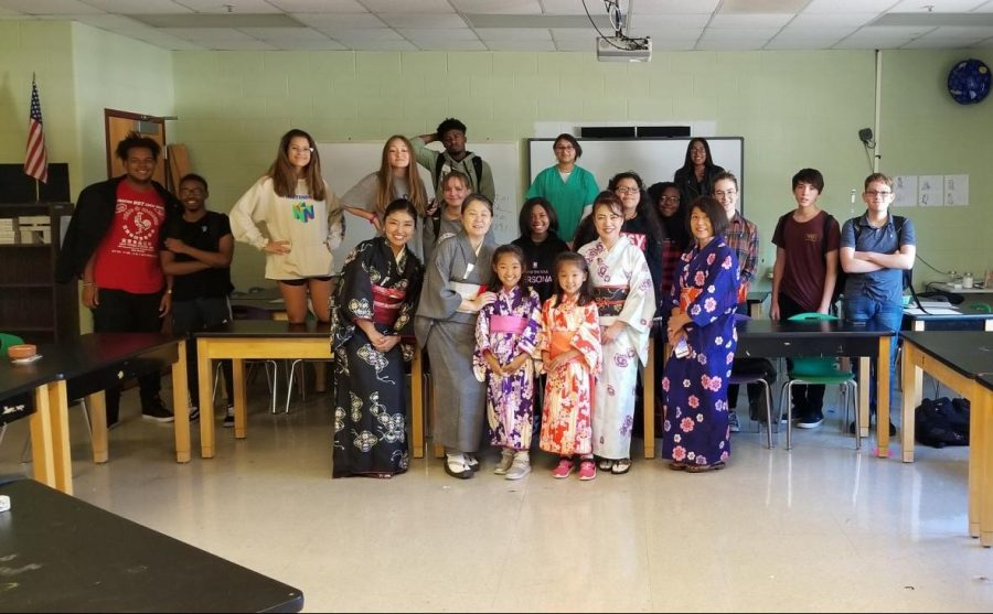 Knoxville Asian Fest, Bearden's Japanese Club working together to benefit both groups