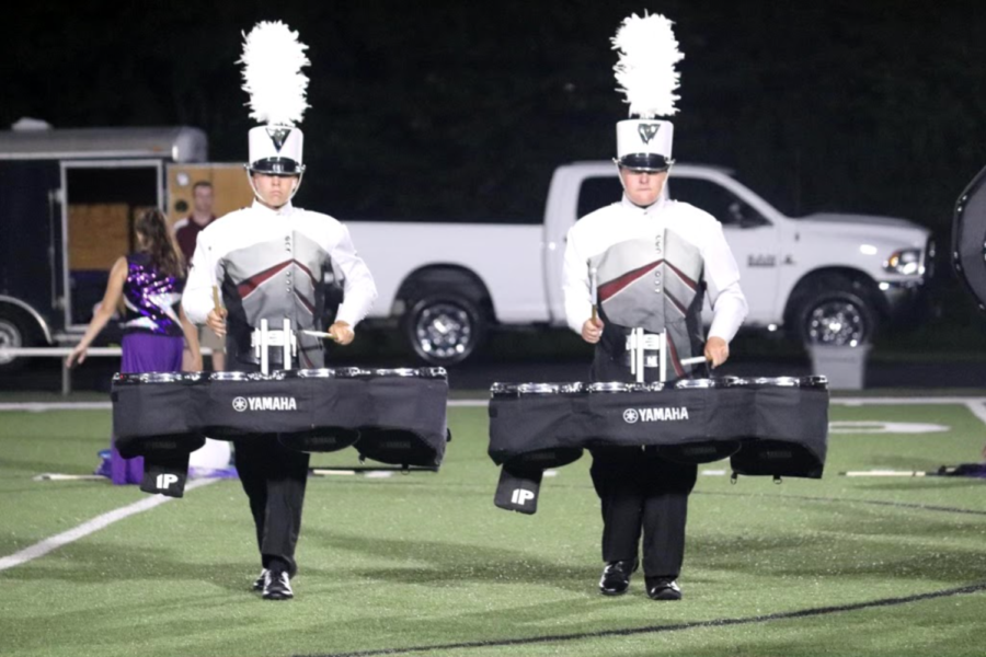 Seniors+Mason+Cunningham+and+Gabe+Johnson+perform+a+movement+of+the+Bearden+marching+bands+halftime+show+Wonder.